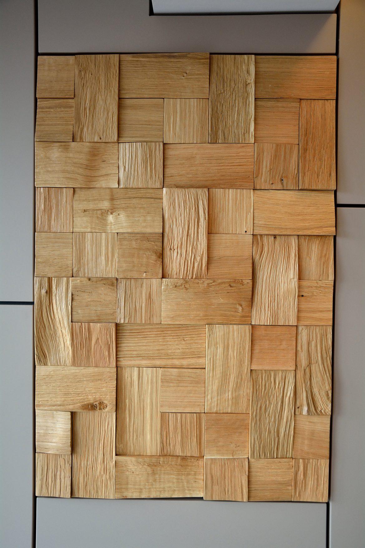 Detaliu placa de Lemn din stejar Masiv Natur incastrata pe perete din Mdf Vopsit Mat Gri