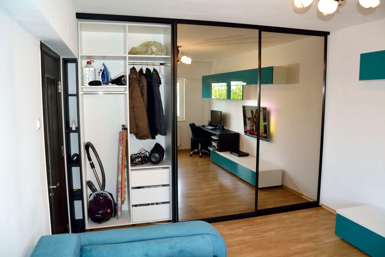 Dressing Yulmob Bacau la comanda cu sertare silentioase cu amortizare de 450 mm LegraBox Blum pentru compartimentare interioara spatiu dedicat depozitarii aparatelor casnice interior pal alb 1