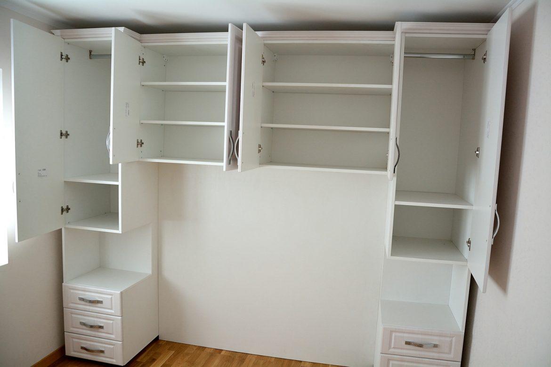 Interior dormitor confectionat din Pal Alb cu usi din Mdf Infoliat Larice Alb tip U 1 1