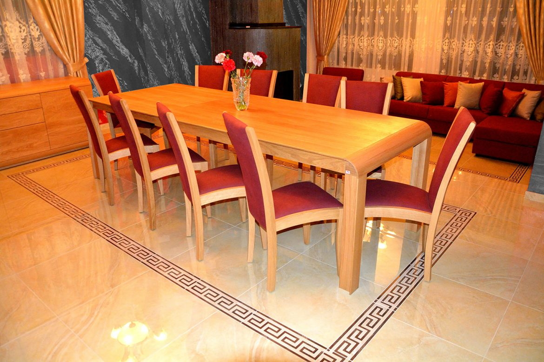 Masa Extensibila Wood Concept cu 10 scaune tapitate in stofa moale la atingere