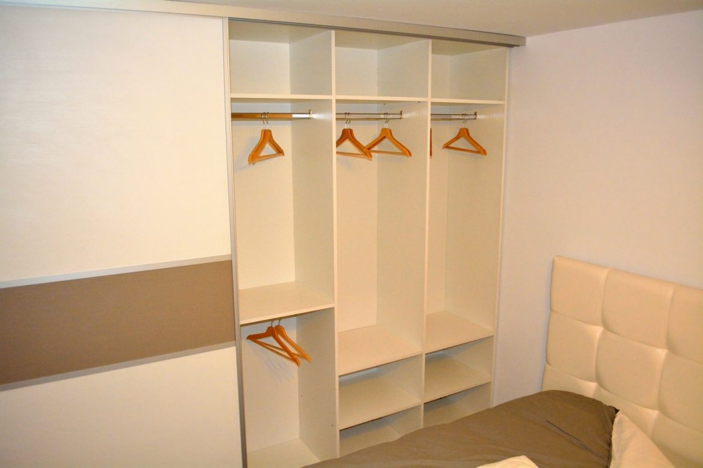 Mobila dormitor Dressing 2 usi Glisante Pal U727ST22 si W1000ST22 profil aluminiu