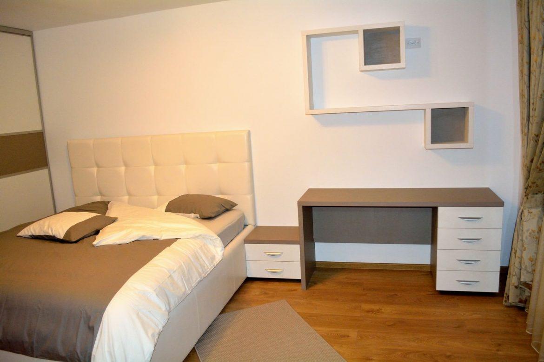 Mobila dormitor Modern Pal U727ST22 si W1000ST22 etajera dublata