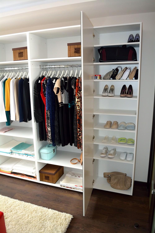Mobilier Compartimentare Dressing la comanda Pal ALB W1000ST cu corp pantofar si compartimentare diverse