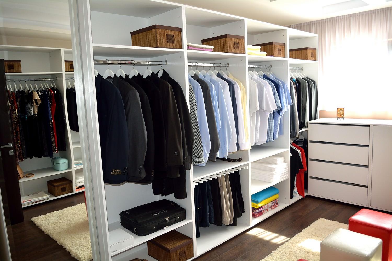 Mobilier Dressing Pal ALB W1000ST cu compartimentare pentru camasi si sistem agatat pantalonii