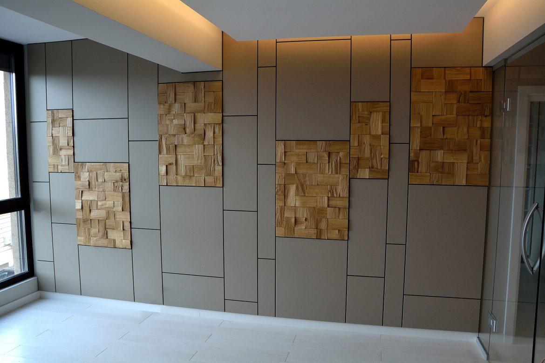 Placare perete modern realizat din Mdf Vopsit Gri Mat accesorizat cu 6 placi din Lemn Masiv Stejar