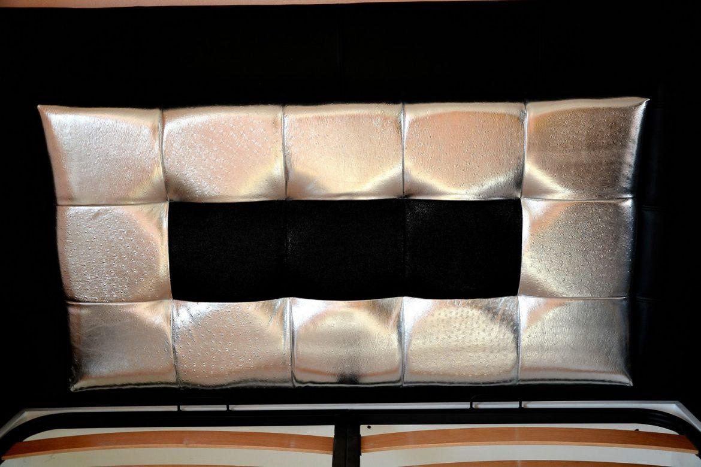 Tablie de pat realizata din pal hidrofugat tapitata in piele de bovina naturala si piele imitatie strut piele pisica de mare