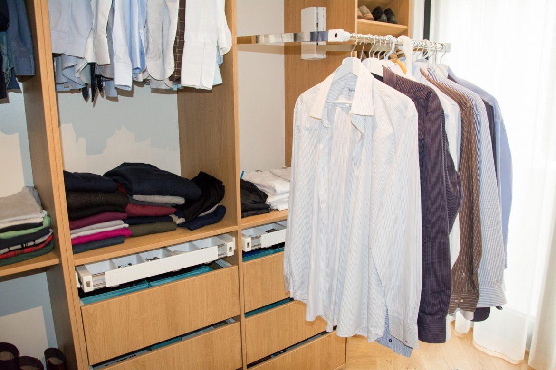 detali dressing cu sistem lift de haine VIBO