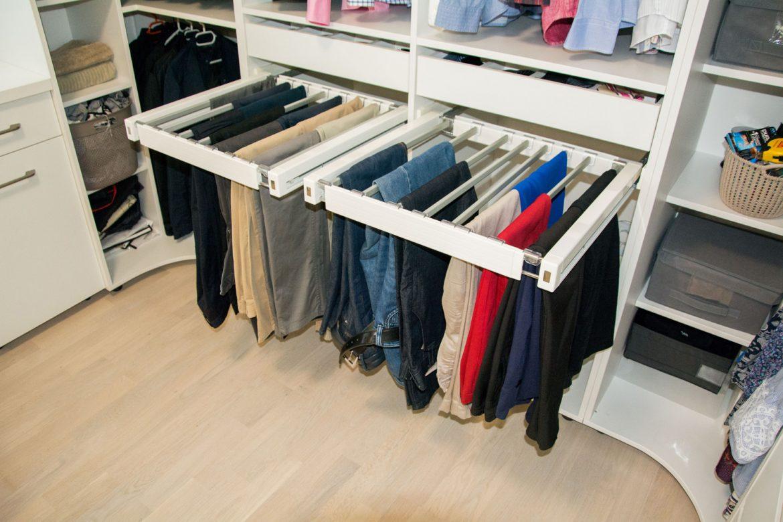 detali sertar pentru pantaloni cu amortizare cu bare din stofa