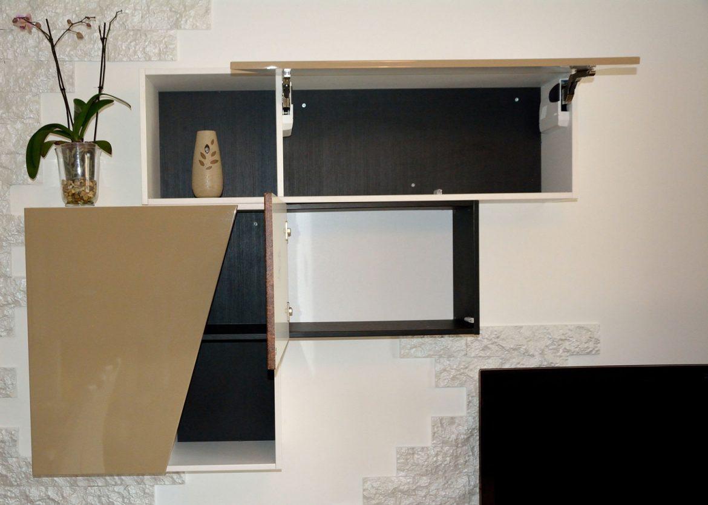 dormitor cu usi din rame aluminiu cu sticla vopsita neagra si folie protectoare12