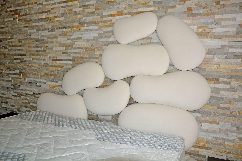 dormitor cu usi din rame aluminiu cu sticla vopsita neagra si folie protectoare7