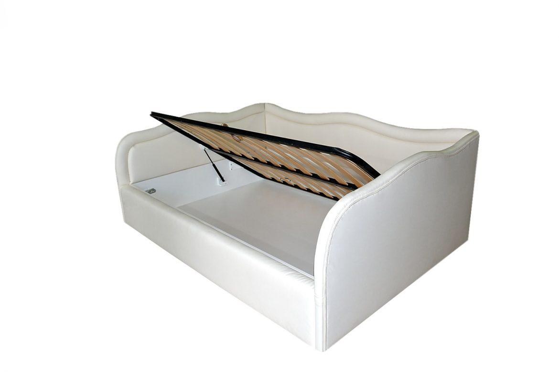 Cu ajutorul tapiteriei din piele ecologica intreg patul emana superioaritate si eleganta min