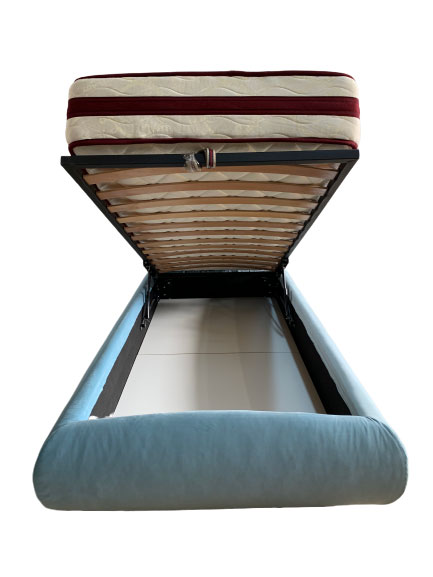 Detalii interior lada de pat tapitat Italia Ragazzi cu somiera si mecanism de ridicare lada de depozitare coltare de prindere picioare plastic incluse stofa prestige 2771