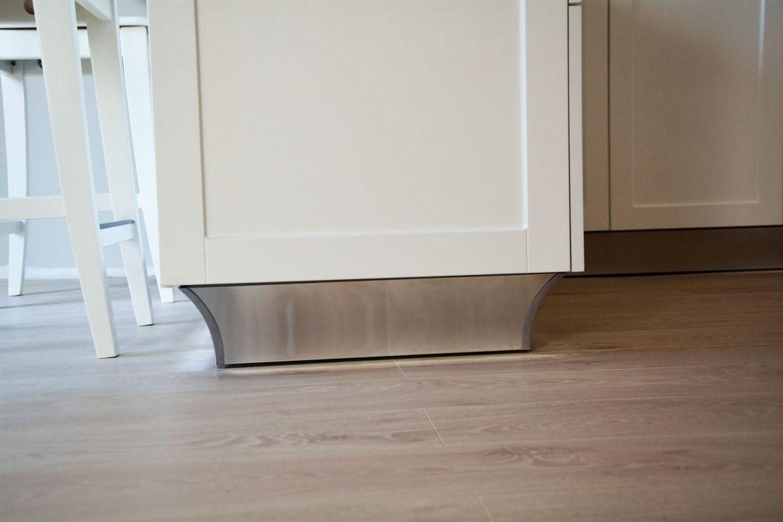 Detaliu plinta picioare din aluminiu concava 120 mm OP 198 H120 809