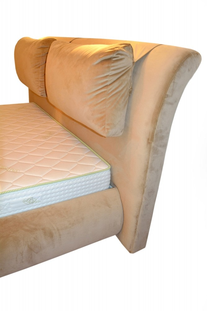 Detaliu tablie pat modern tapitat Palma in stofa tip catifea crem French Velvet cod 675 cu somiera rabatabila inclusa cu picioare din inox rezistente min