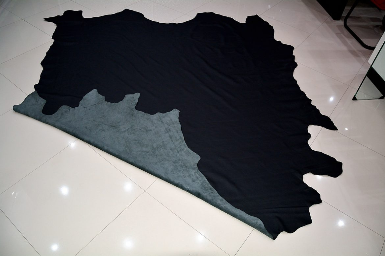 Piele naturala de Bovina de culoare Neagra fata spate