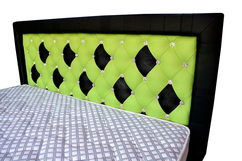 Tablie pat din Pal Hidrofugat tapitat in piele naturala bovina cu 57 butoni cristale swarovski