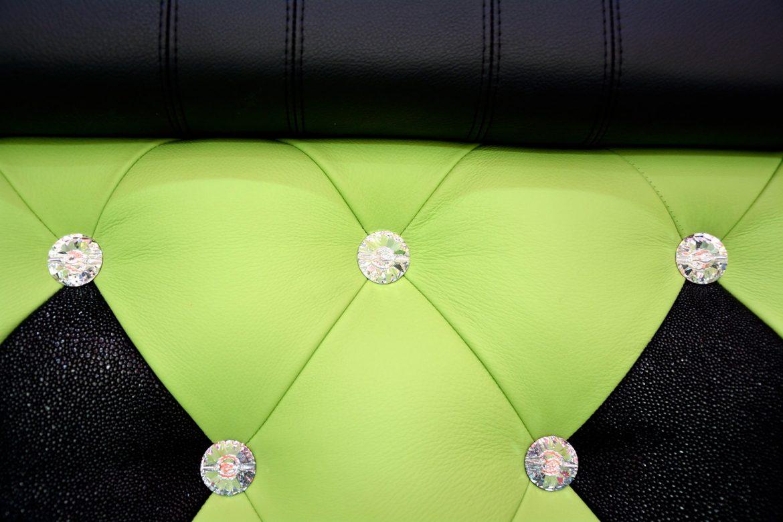 Tablie pat matrimonial realizat din Piele Naturala Bovina incrustat cu 57 cristale swarovski