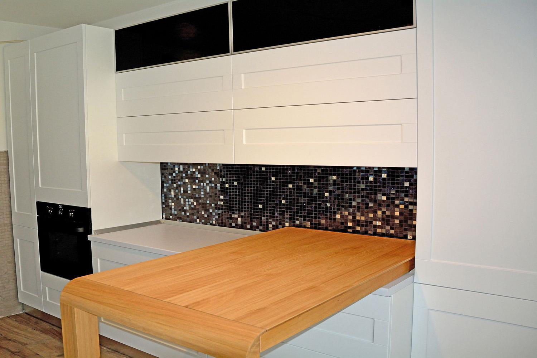 dormitor cu usi din rame aluminiu cu sticla vopsita neagra si folie protectoare19 2