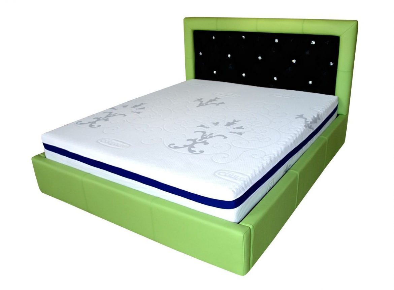 pat dormitor san remo tapitat in intregime in piele originala italia de bovina verde cu tetiera tapitata in imitatie piele pisica de mare cu cristale swarovski min e1544951573734