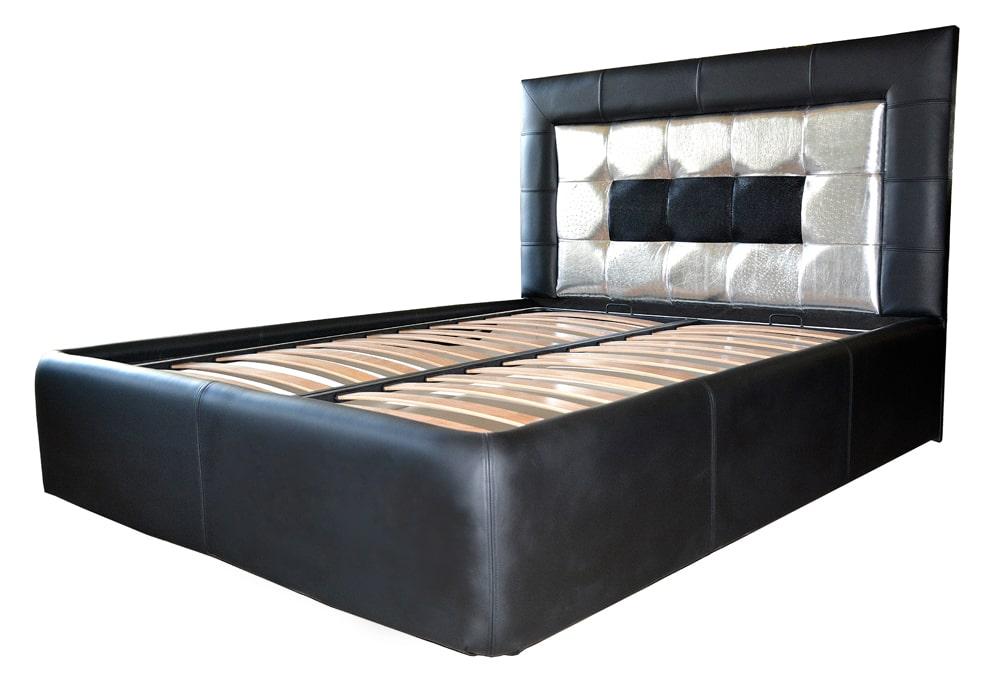 pat dormitor tapitat in 3 tipuri de piele cu 2 noptiere realizate din pal dublat negru striat cu manere din aluminiu min