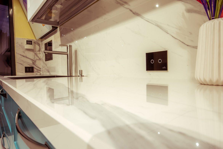 showroom yulmob priza wi fi moderna
