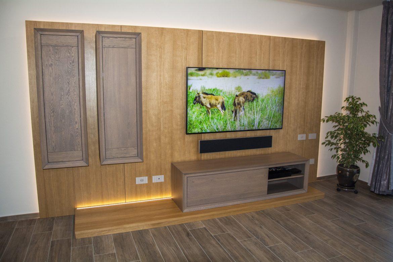 comoda tv din lemn masiv cu sisteme blum