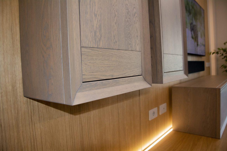 detali usa din lemn masiv