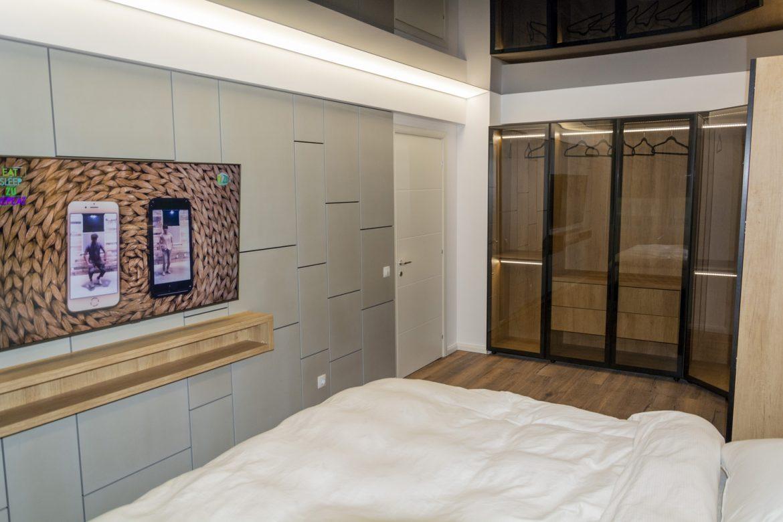 perete decorativ in dormitor din mdf