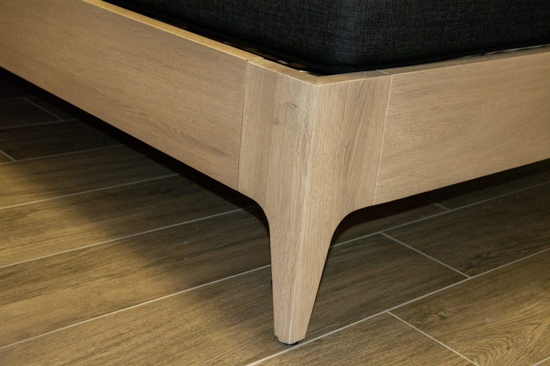 detali picior pat lemn masiv