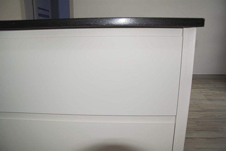 detali lateral din mdf vopsit cu frezare